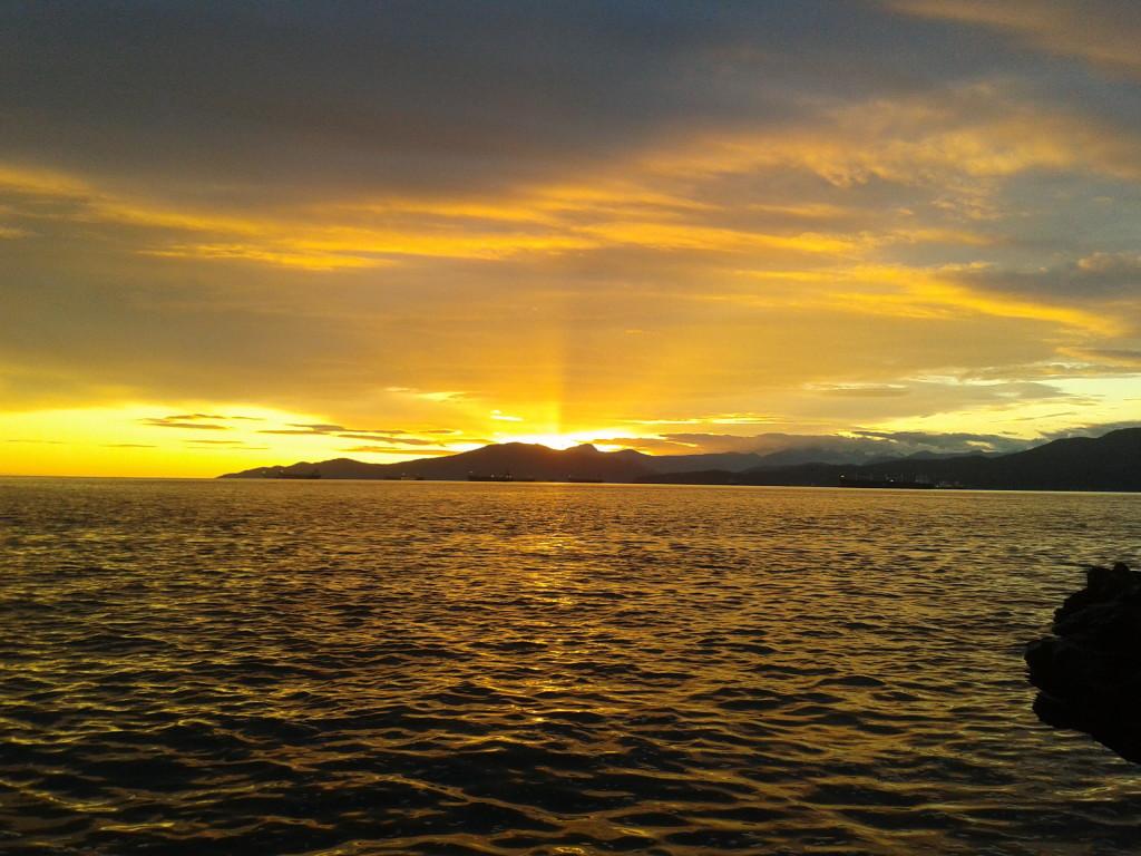 sunset, Kitsilano Beach, ocean,  Vancouver, sun rays